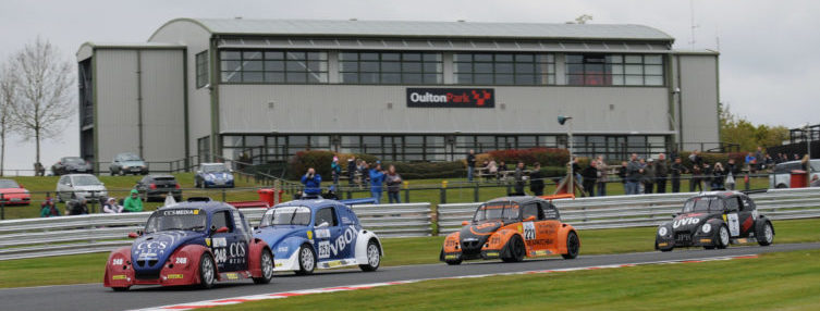 The Fun Cup Championship in action at Oulton Park